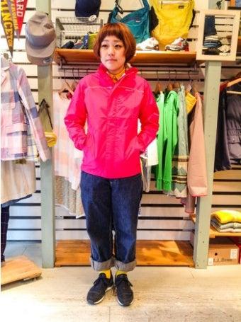ピンクのトレントシェルジャケットを使ったコーディネート