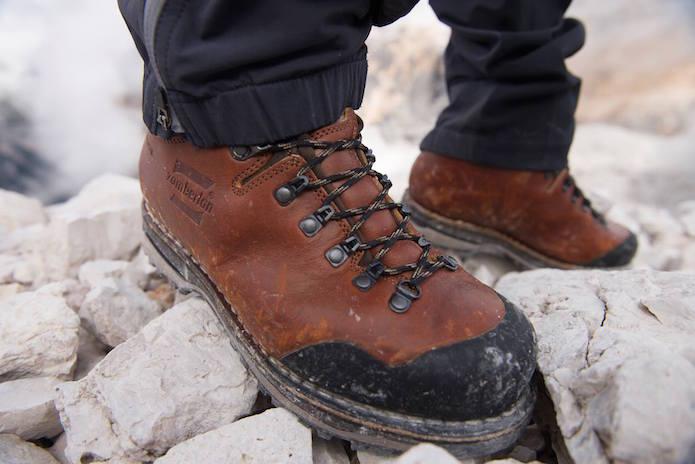 ザンバランの革登山靴