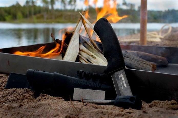 焚火とモーラナイフ