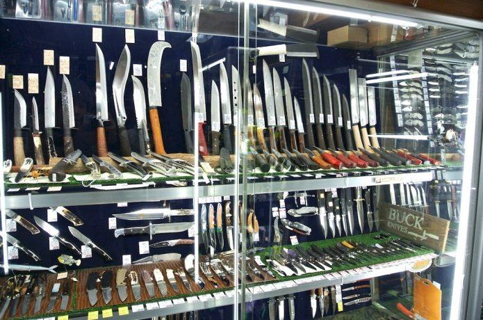 サバイバルナイフの販売店