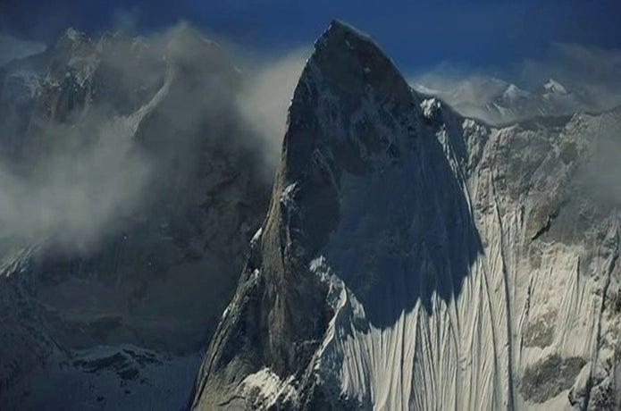 メルー峰のシャークスフィン
