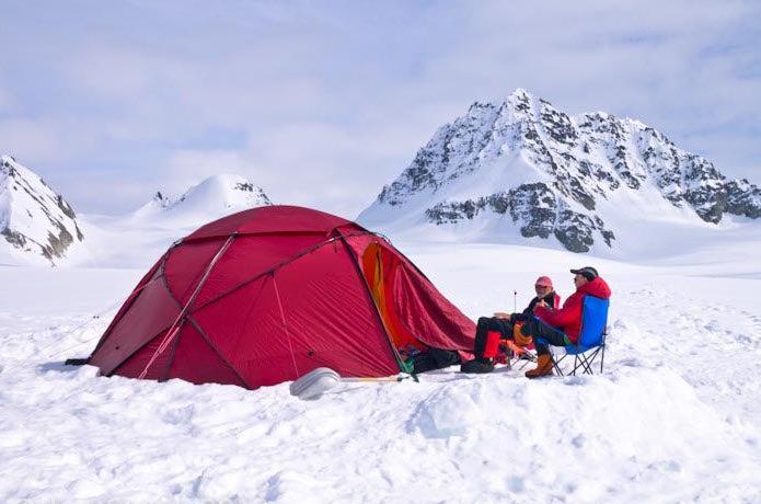 雪上のヒルバーグテント