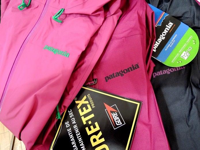 ピンクのパタゴニアのジャケット