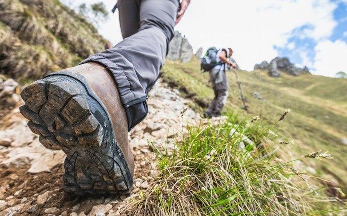 登山靴の選び方を正しくして山を歩く
