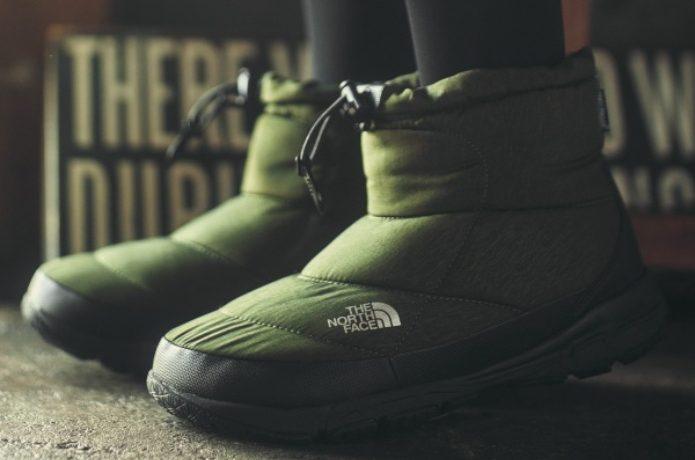 ノースフェイスの緑色のヌプシブーツ