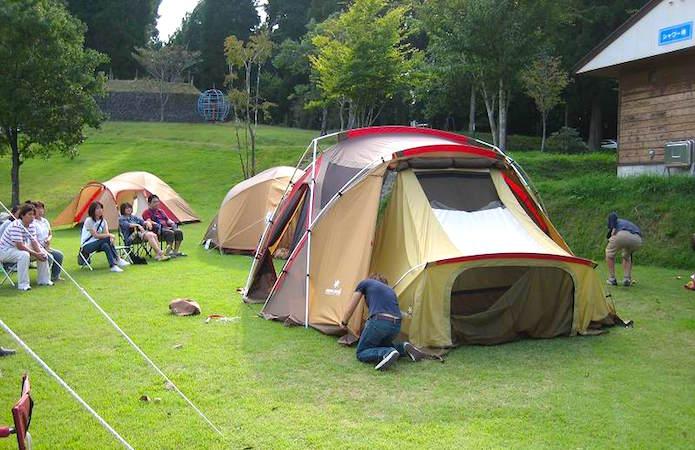 スノーピークのテントを設営する