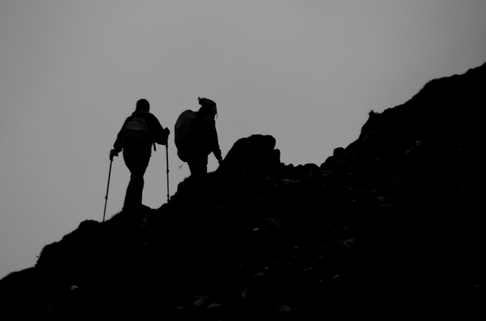 山に登る人
