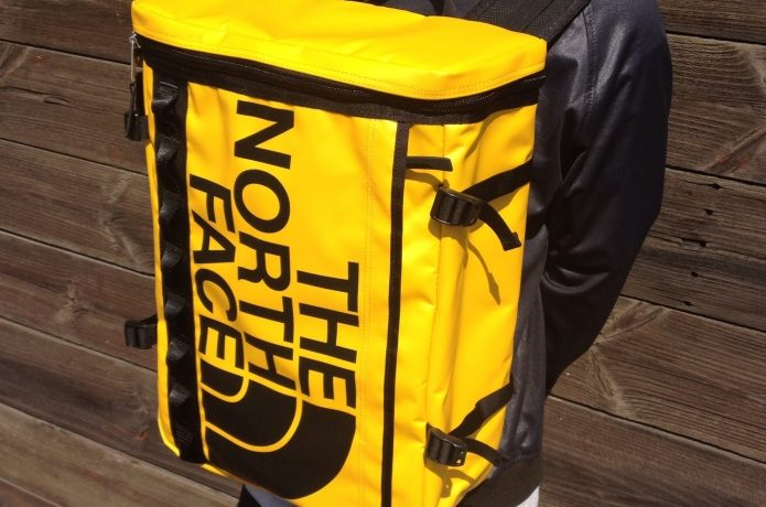 ノースフェイス、黄色のヒューズボックス