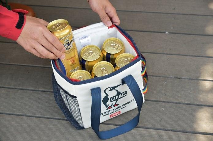 クーラーバッグにビールをたくさん入れる