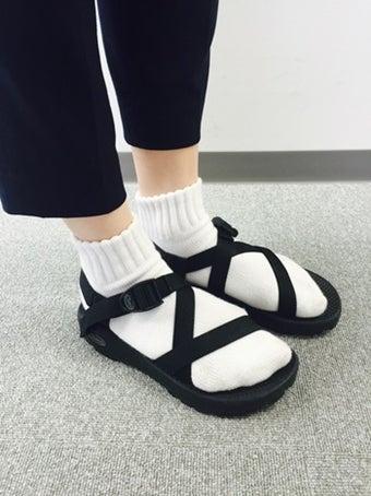 テバと靴下のコーデ画像