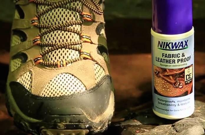 靴と防水スプレー