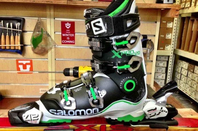 サロモンのスキーブーツ