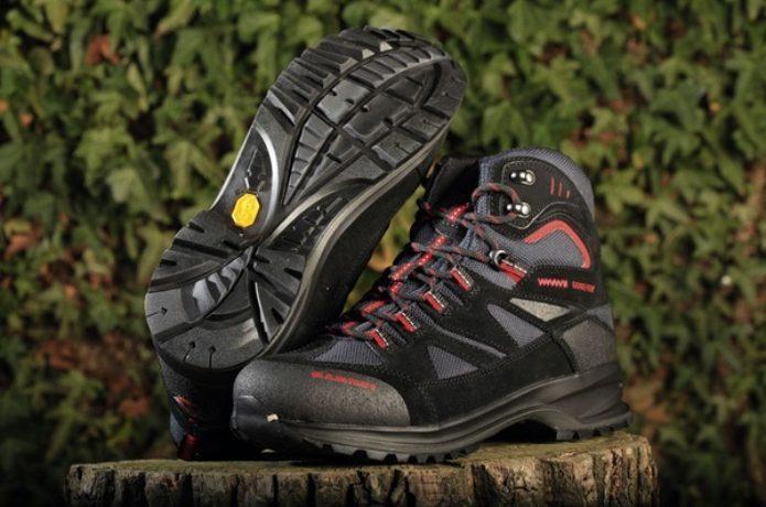 マムートの登山靴で人気なテトンGTX