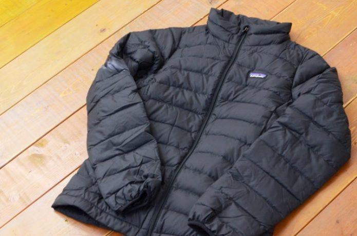 パタゴニアの黒いダウンジャケット