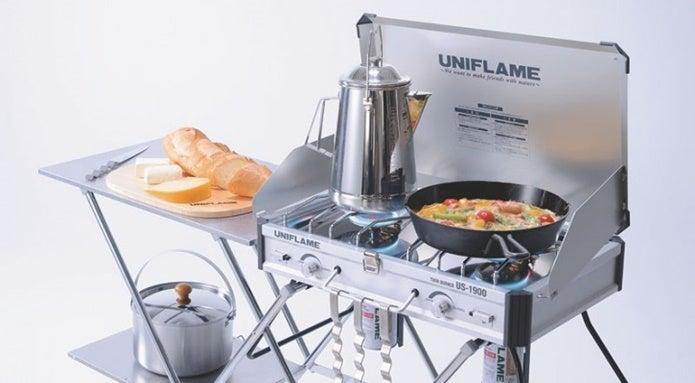 ユニフレームのツーバーナーと料理道具