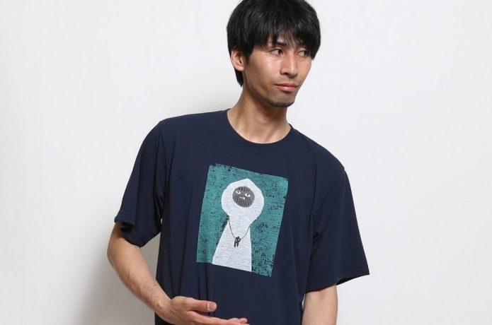 モンベルのTシャツを着た男性