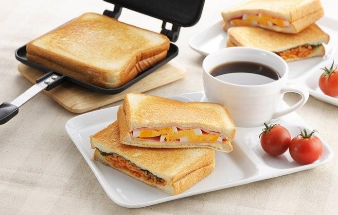 ホットサンドメーカーのおすすめで作って朝ごはんを食べる