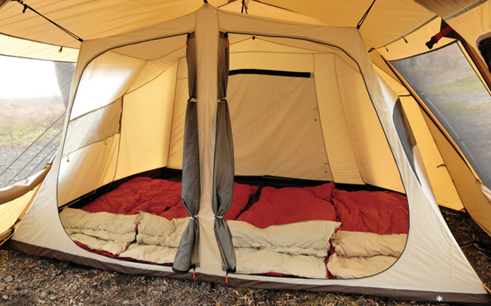 スノーピークランドロックの寝室