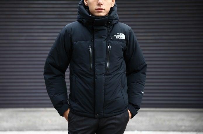 ノースフェイスの黒いバルトロライトジャケット