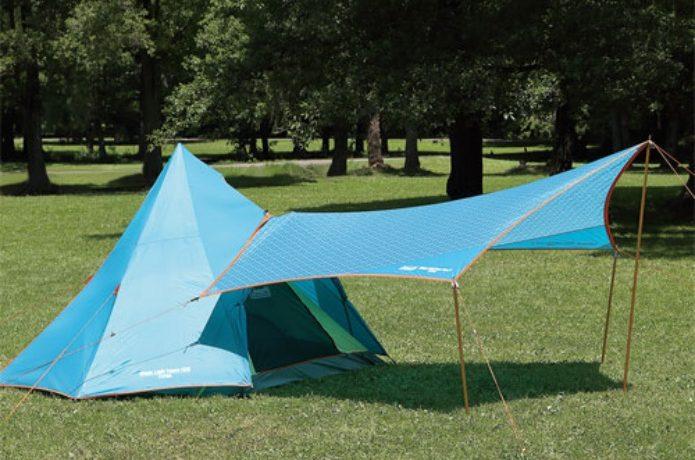 コールマンのタープをテントと連結した図