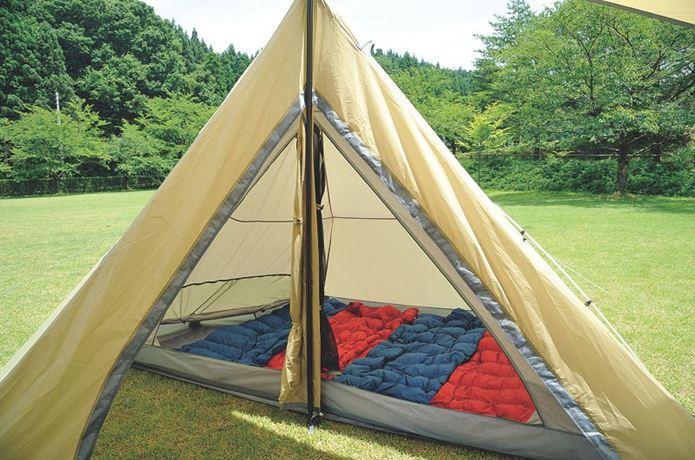 ユニフレームのテントと寝袋
