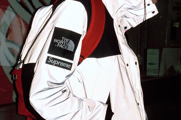 ノースフェイスとシュプリームのコラボジャケット