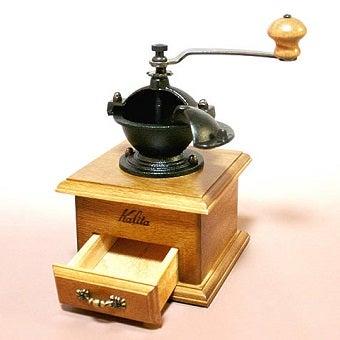 コーヒーミルの電動式とならんで人気な手動式