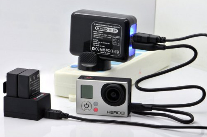 充電中のゴープロカメラ