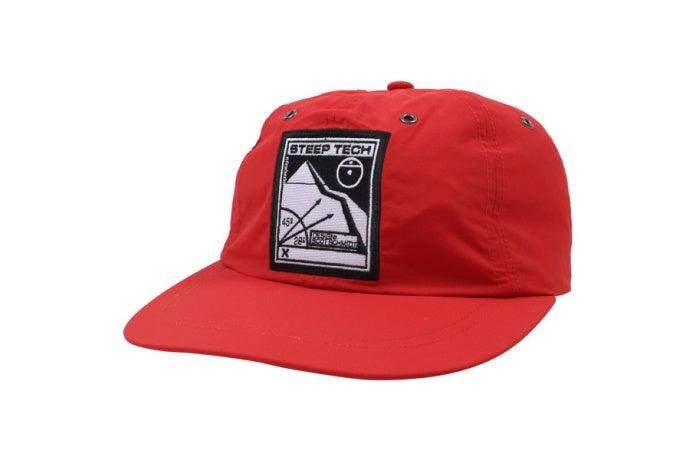 ノースフェイスとシュプリームコラボの帽子
