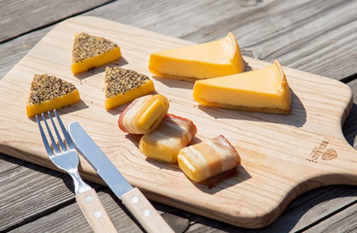 スモークウッドで燻製チーズ