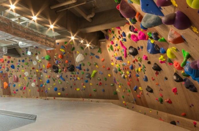 APEXクライミングジム新宿店の画像