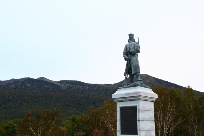 八甲田山で生き残った後藤伍長の像