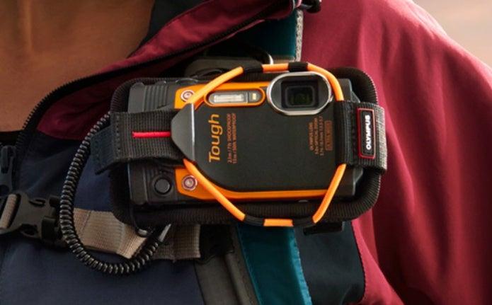 オリンパスの防水カメラをつける