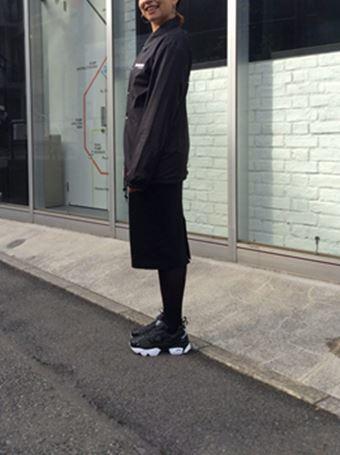 ポンプフューリーの黒を履いたコーデ