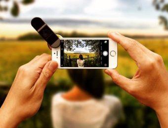 スマホの広角レンズで風景と人を撮る