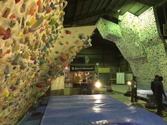 神奈川のボルダリングジムJ-Wall