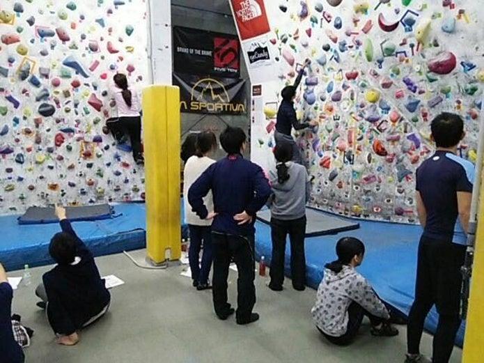 福岡のボルダリングジムホアホア