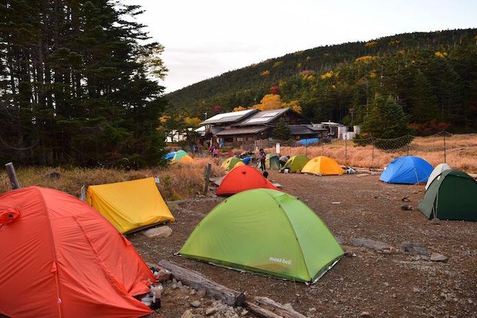 黒百合ヒュッテのテント場とテント