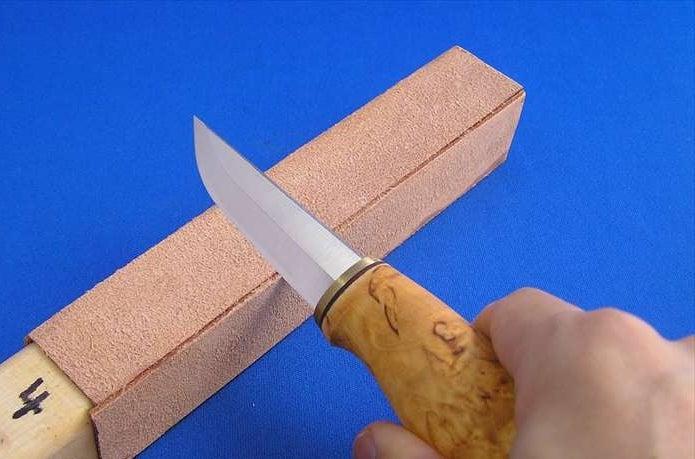 バークリバーのナイフに砥石を使うときは?