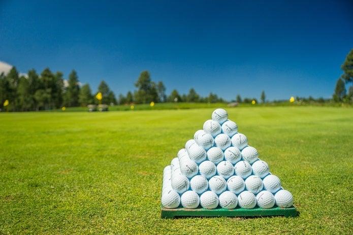 メンズのウィンドブレーカーでゴルフにぴったりなのは?
