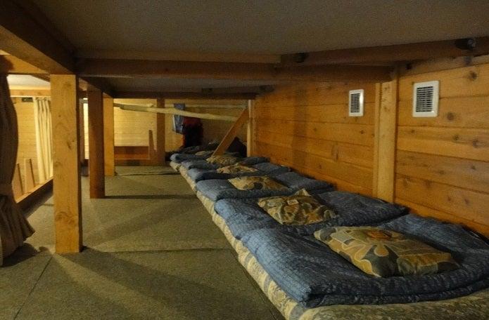 涸沢小屋の寝室