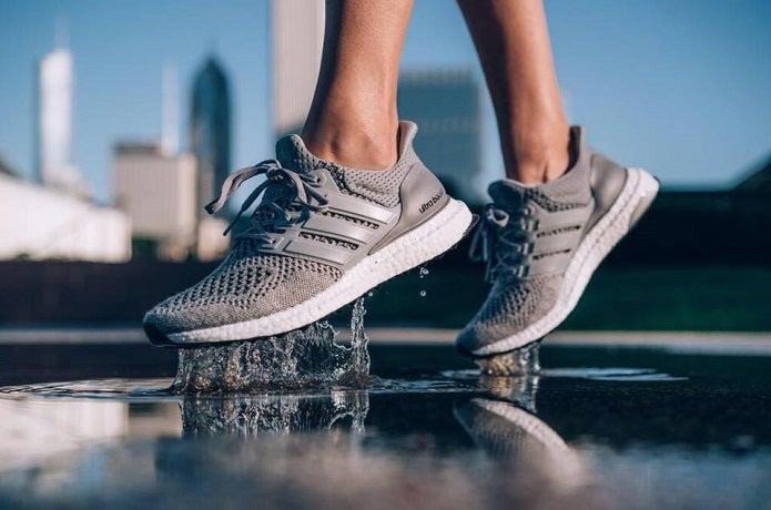 adidasのランニングシューズ