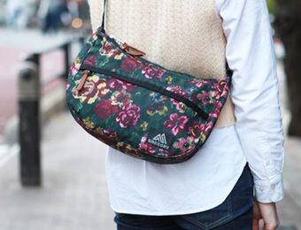 ナイロンの花柄ショルダーバッグ