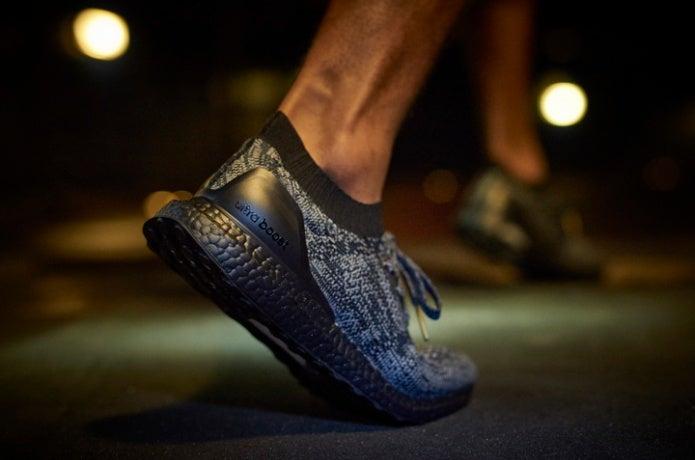 アディダスのブースト使用の靴