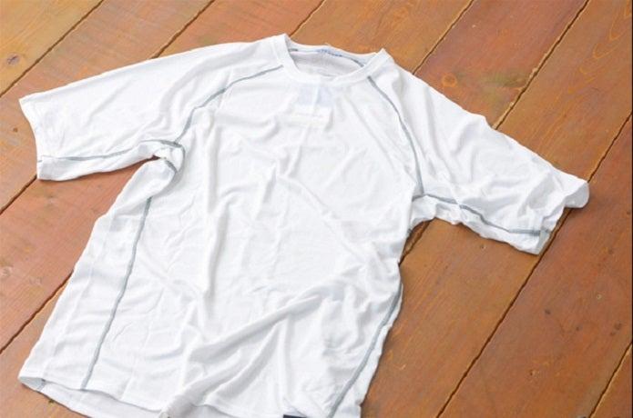 白いドライTシャツ
