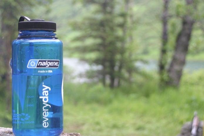 水の入ったボトル