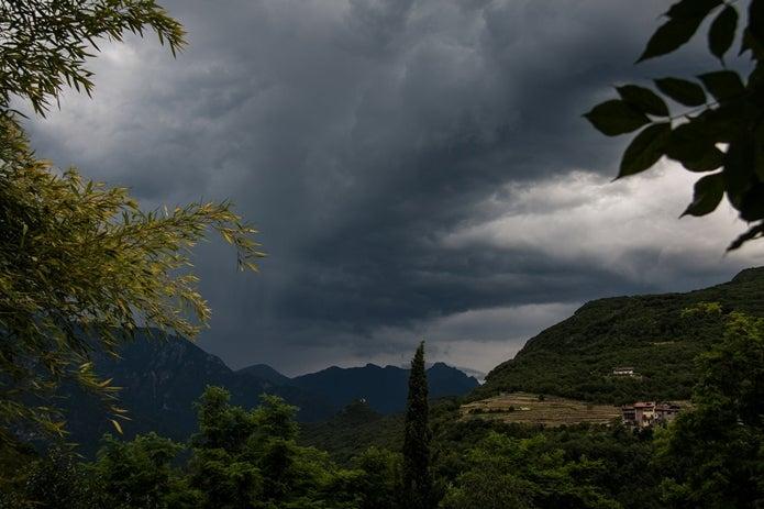 天気の悪くなってきた山
