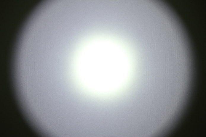 シュアファイアの光