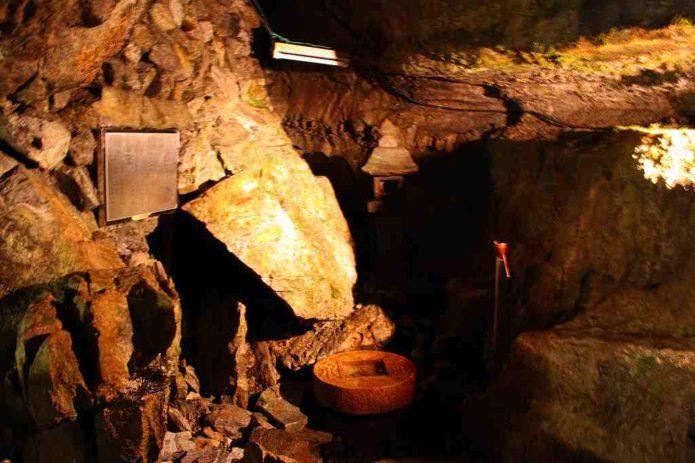 日原鍾乳洞の水琴窟
