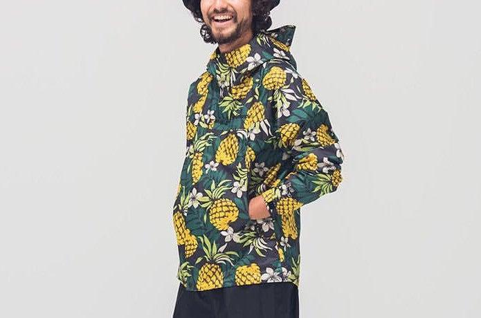 コロンビアのジャケットを着た男性